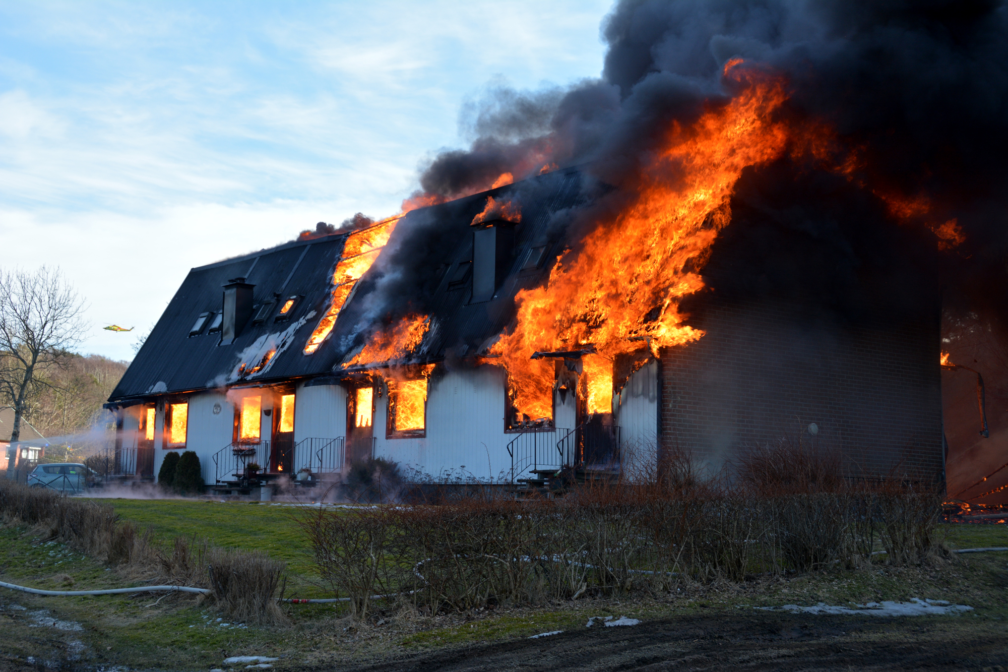Radhus forstordes av brand