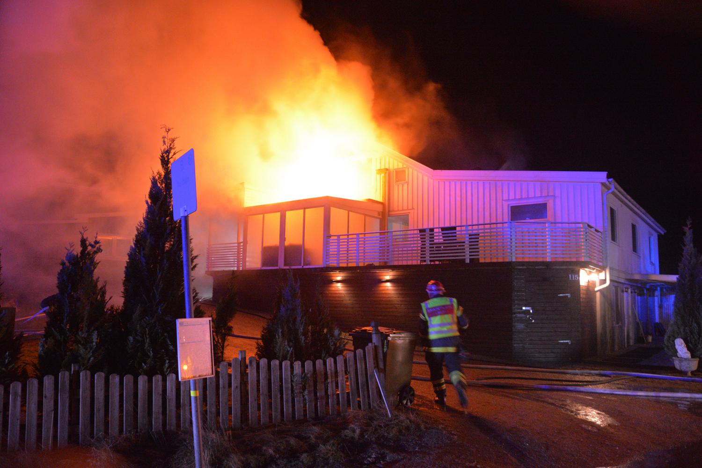 Det finns saker som tyder på att nattens brand på ett tilltänkt  behandlingshem mellan Stillingsön och Svanesund är anlagd. När  räddningstjänsten kom till ... 9abc76611a971