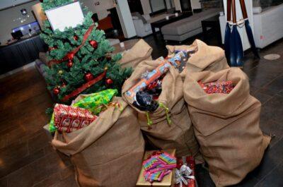 Ensam gran söker klappar - Nu startar årets julklappsinsamling