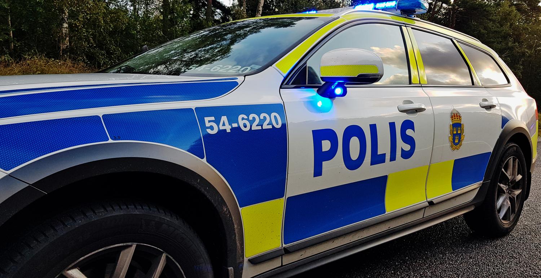 JUST NU STENUNGSUND E6: Misstänkt rattfylleri – körde in i polisbil – fb