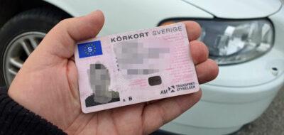 Grov olovlig körning - Körde bil trots återkallat körkort
